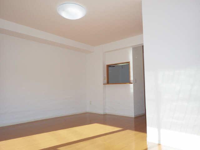 エクセレントナイン 3階 室内