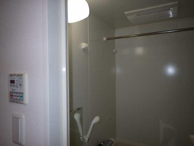 コンフォリア新栄 13階 浴室