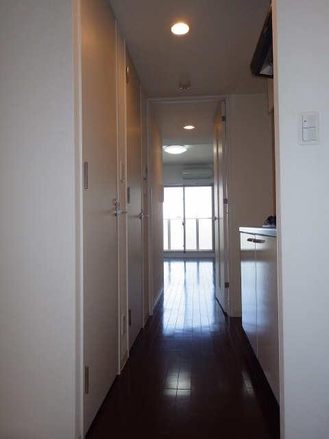 コンフォリア新栄 13階 玄関