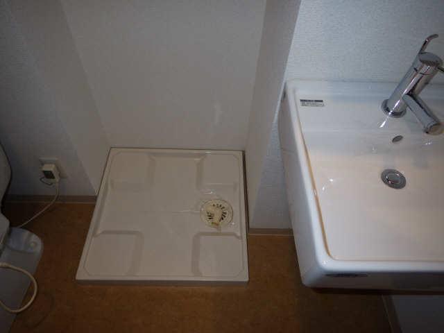 セントレイクセレブ代官町 10階 洗濯機置場