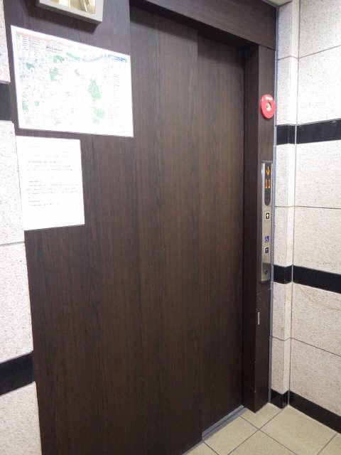 ライブコート千種 12階 エレベター