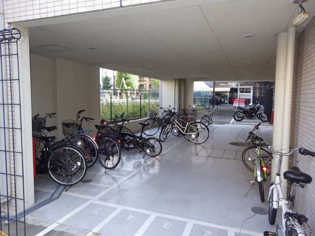ライブコート千種 12階 駐輪場