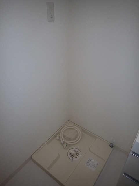 パルティール新栄 9階 洗濯機置場
