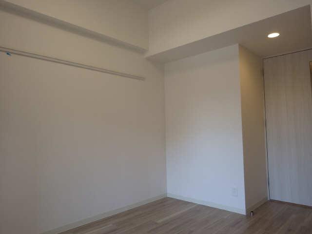 プレサンス広小路通葵 6階 洋室
