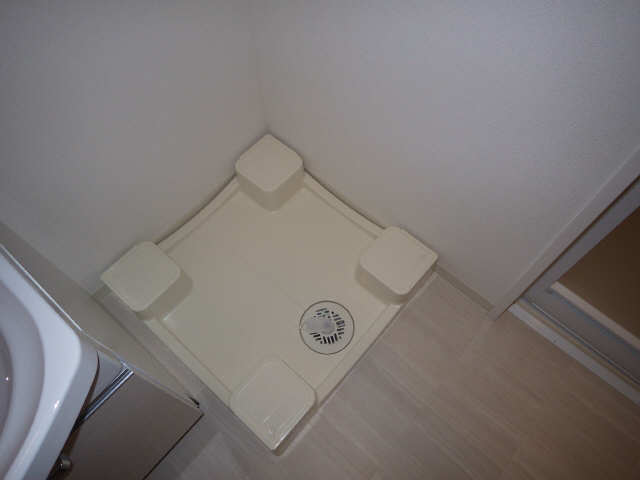 プレサンス広小路通葵 14階 洗濯機置場