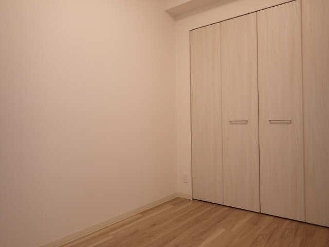 プレサンス広小路通葵 2階 洋室