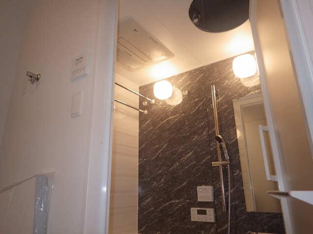 プレサンス広小路通葵 3階 浴室