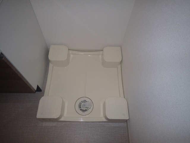 プレサンス広小路通葵 5階 洗濯機置場