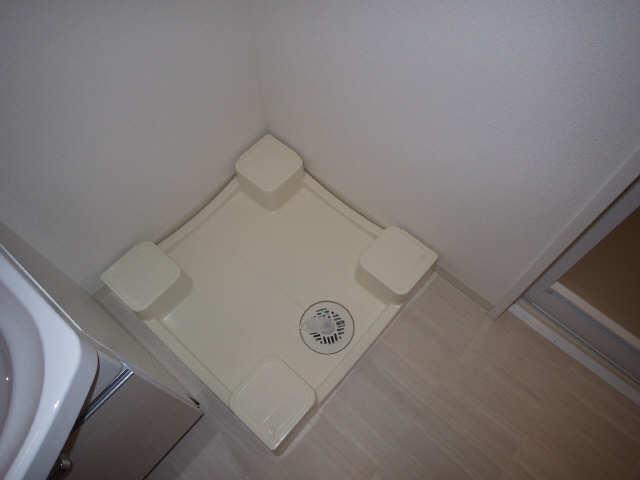 プレサンス広小路通葵 6階 洗濯機置場