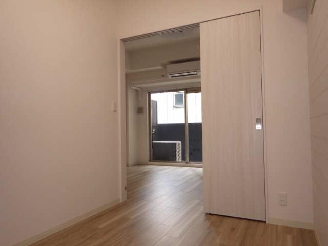 プレサンス広小路通葵 2階 室内