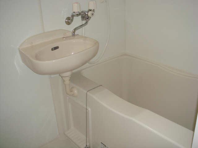 レオパレスフェリーチェ 1階 浴室