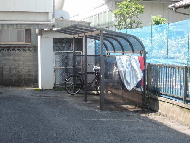 コーポコバヤシ  駐輪場