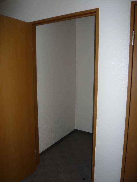 フォーシーズンズ・シニア 2階 トランクルーム