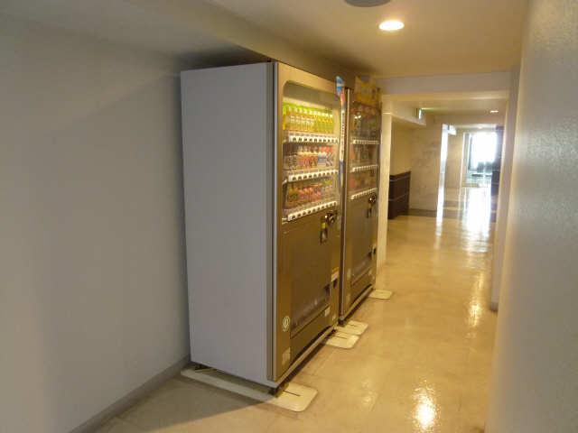 パークアクシス名駅南 6階 2階自動販売機