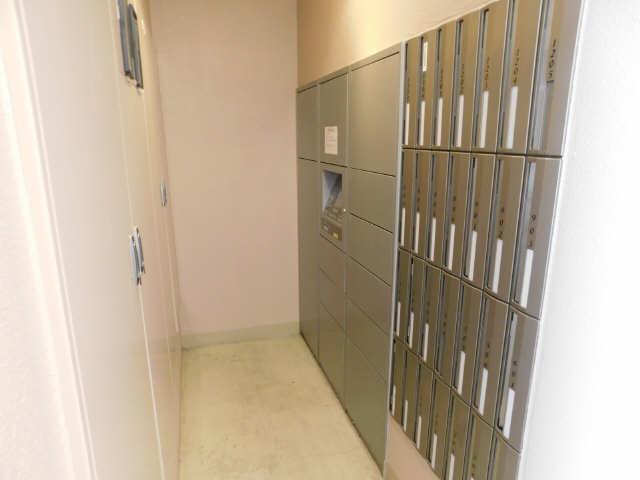 プレサンス名古屋駅前グランヴィル 7階 メールBOX・宅配ボックス