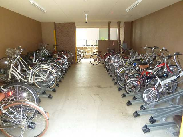 プレサンス名古屋駅前グランヴィル 7階 駐輪場