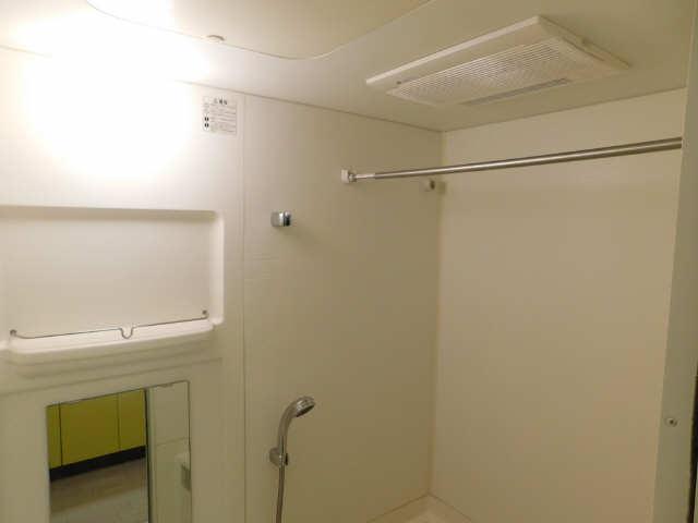 プレサンス名古屋駅前グランヴィル 7階 浴室暖房乾燥機