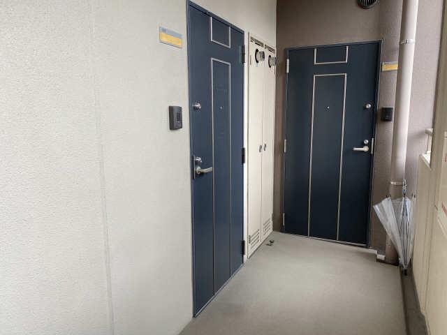 カスタリア名駅南 9階 玄関ドア