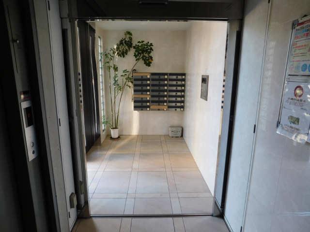 ラ・ミューズ1101 5階 エントランス