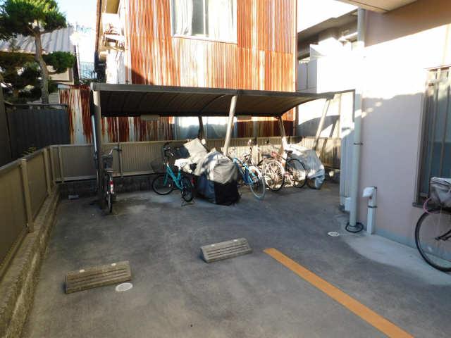 ラ・ミューズ1101 5階 駐輪場