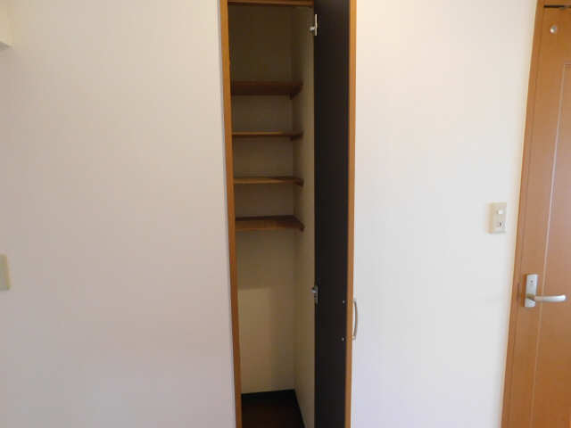 ラ・ミューズ1101 5階 シューズBOX