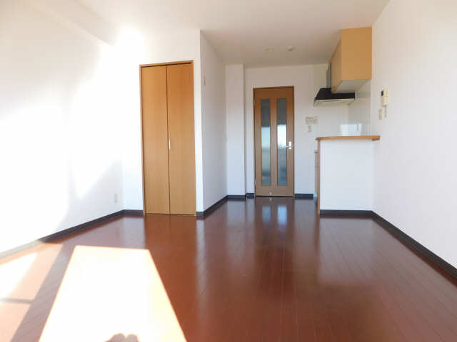 ラ・ミューズ1101 5階 洋室