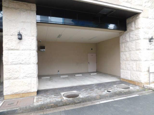 プレサンス名古屋STATIONザ・シティ 13階 駐車場