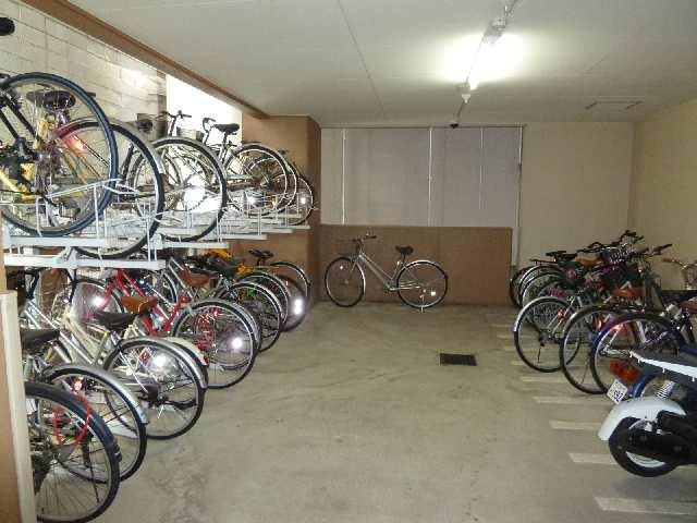 プレサンス名古屋STATIONザ・シティ 13階 駐輪場