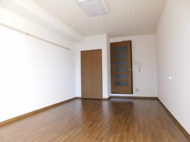 BBビル 9階 洋室2