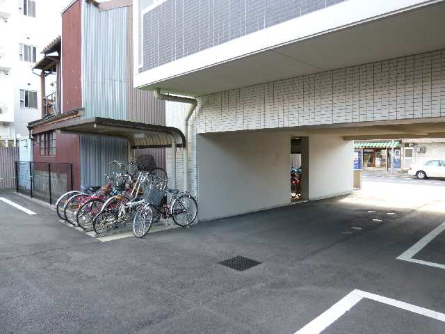 PRESTAGE名駅 7階 駐輪場