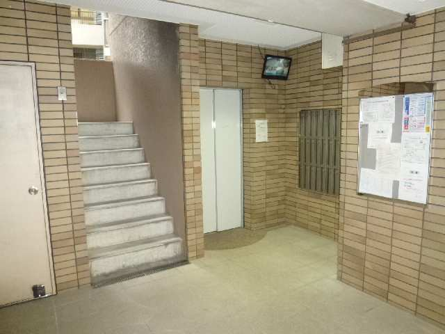 グレイス2000 5階 エントランス