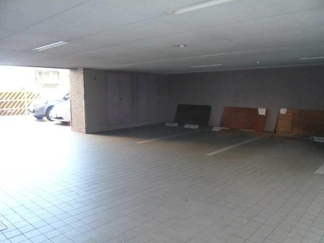 グレイス2000 5階 駐車場