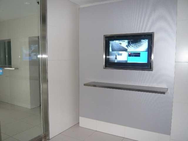ラ・ヴィ・アン・ローズ 4階 TVモニター