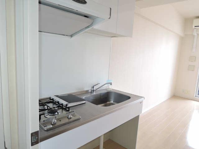 ラ・ヴィ・アン・ローズ 12階 キッチン