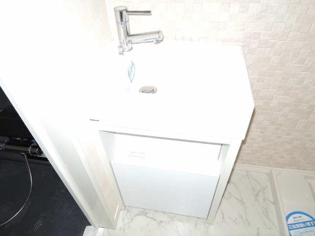 ラ・ヴィ・アン・ローズ 12階 洗面