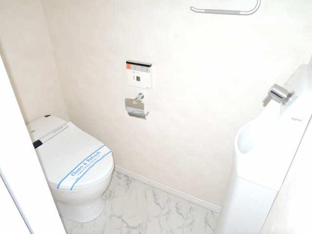 ラ・ヴィ・アン・ローズ 12階 WC