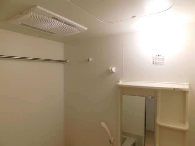 プレサンス名古屋STATIONビジュ 4階 浴室乾燥機