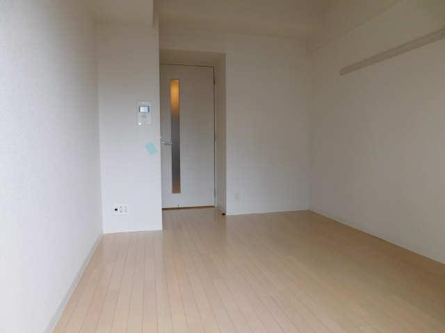 プレサンス名古屋STATIONビジュ 6階 洋室