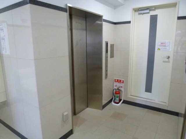 サン・名駅南ビル 9階 エレベーター