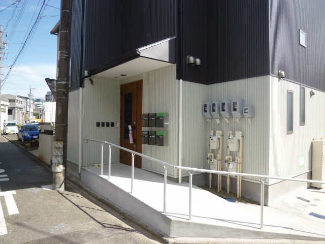 ヴィラ名古屋駅 2階 エントランス