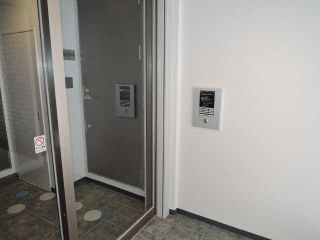 ラコルタ ブローン 1階 セキュリティ