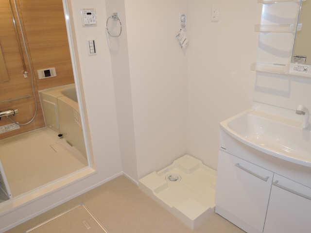 ラコルタ ブローン 1階 洗濯機置場