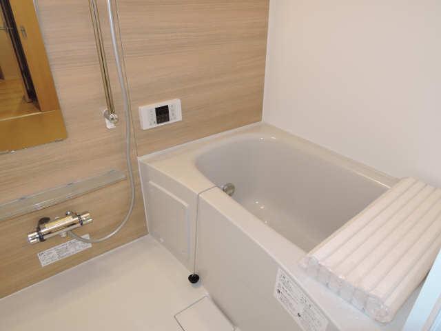 ラコルタ ブローン 1階 浴室
