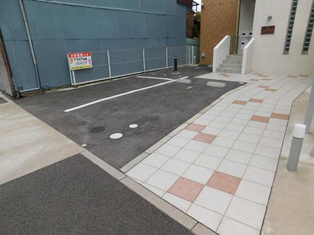 メープルコート 駐車場