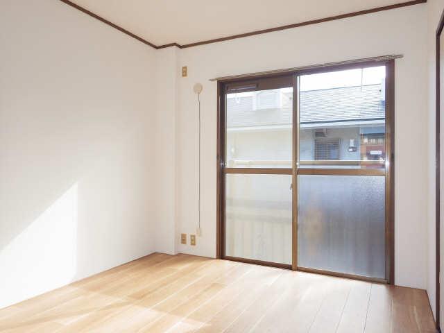 コスモハイツ白鳥 2階 室内