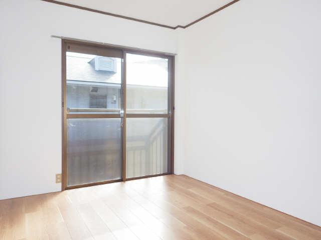 コスモハイツ白鳥 2階 洋室(西)