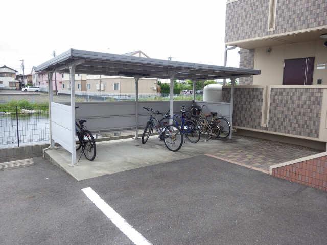Chmp de joie 4階 駐輪場