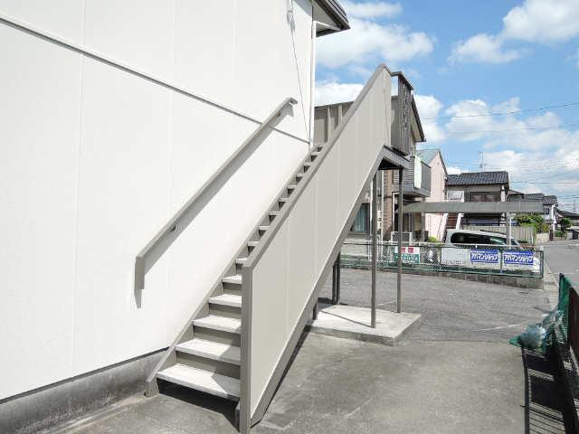 ファミール竹の山 2階 階段