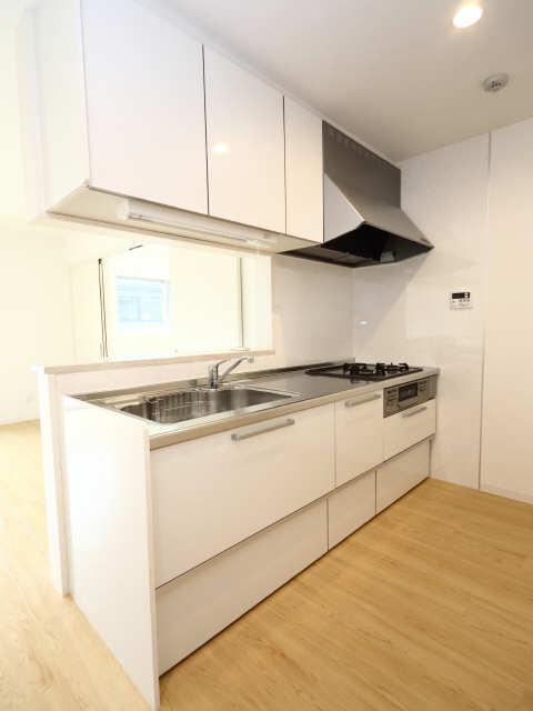 102号室キッチン