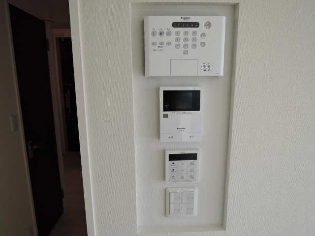 203号室モニター付インターホン
